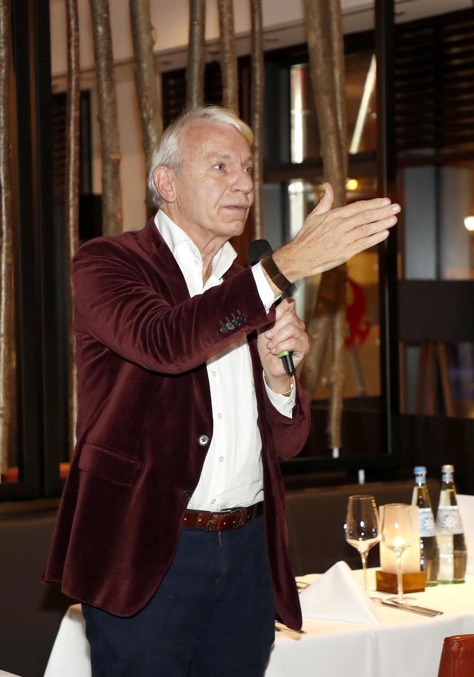 Prof. dr. jo groebel3
